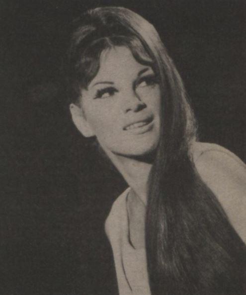 19741121_JulieLaird